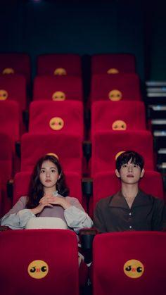 Shin Se Kyung, Drama Film, Drama Series, Studying Girl, Decendants Of The Sun, Korean Couple Photoshoot, Im Siwan, Korean Drama Funny, Netflix