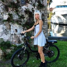 The ProdecoTech Stride 500 off Las Olas in Fort Lauderdale. Fort Lauderdale, Dress Skirt, Babe, Electric, Bicycle, Skirts, Model, Dresses, Fashion