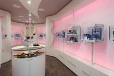 Comete Jewelry Shop Design 1 Comete, Luxury & Elegant Jewerly Store Design in Milan, Italy