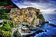 Manarola, Cinque Terre Manarola is a paradise on the Italian Riviera. A complete village based on a giant rock, ocean by the side and colorful buildings shape this area. Beautiful…