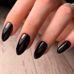 Cute and glossy almond shaped black nails 2020 set! Black Almond Nails, Short Almond Nails, Almond Shape Nails, Fall Nail Art Designs, Black Nail Designs, Cool Nail Designs, Cute Black Nails, Cute Nails, Acrylic Nails Coffin Short