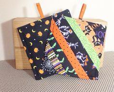 Halloween Pot Holders - Handmade Trivets - Hot Pads - Boo Spiders Black Cats Bats Moons Pumpkins - Kitchen Accessories - Gift Set of 2