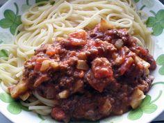 Helppo soijarouhekastike Spaghetti, Ethnic Recipes, Food, Essen, Meals, Yemek, Noodle, Eten
