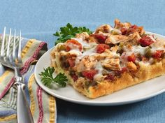 ♥ Bisquick Heart Smart® recipe! Feel like a little pizza? Dine on a chicken and veggie version that goes together in minutes.