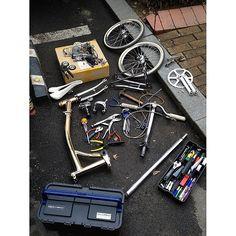 Periodic Maintenance for bike season. #brompton   por machi.ryu