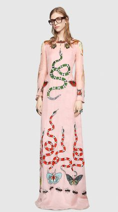 Gucci Look 35 - Women, Pre-Fall 2016 Collection Look Fashion, Runway Fashion, Luxury Fashion, Fashion Design, High Fashion Dresses, Fashion Outfits, Fashion Corner, Luxury Dress, Embroidered Silk