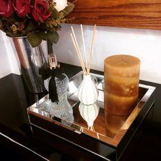 Decorando com luxo na sala! Lançamento da bandeja espelho. Faça logo seu pedido. Os preços estão imperdíveis. Decorating with luxury in the living room. #glamourous #chic #everyday #aroma #decoration #velievearoma