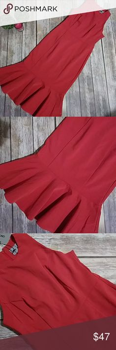 NWT ASOS Little Red Holiday Dress Size 6 Stunning! Womens NWT ASOS Red Dress Size 6. Has some stretch. I call this my mermaid dress! It is stunning! This dress fits those curves perfect. Amazing holiday dress! ASOS Dresses Midi