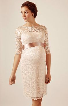 Amelia Lace Maternity Dress Short (Pearl Blush) - Maternity Wedding Dresses, Evening Wear and Party Clothes by Tiffany Rose US Tiffany Rose, Maternity Gowns, Maternity Fashion, Maternity Wedding, Vintage Stil, Style Vintage, Gender Reveal Dress, Party Kleidung, Pregnant Wedding Dress