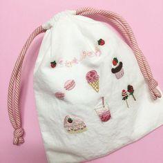 . #veryberrystrawberry  #자수도안 은 블로그에 업뎃 예정   #딸기 #봄 #핑크 #핸드메이드 #strawberry #spring #pink . #embroidery #handstitch #handmade  #프랑스자수 #손자수 #자수타그램 #프롬유_자수일기