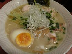 Chicken stock soup Ramen( Thick white broth prepared by boiling chicken bone until melted )
