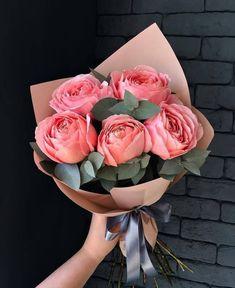 Luxury Flowers, Fresh Flowers, Beautiful Flowers, Gift Flowers, Beautiful Flower Arrangements, Floral Arrangements, Flor Iphone Wallpaper, Rose Bouquet Valentines, Flower Aesthetic