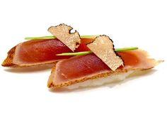 Nigiri#sushi#sushitime#sushilovers#sushiporn#sushichef#cheflife#omakase#nigirizushi#sushibar#wabu#wabusushibar#wabusushi#krucza#pycha#tuńczyk#tataki#Warsaw#Warszawa#truffles#trufle by sushi_fotobox