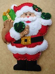 Bordados Oma - Porta Cubiertos Sra Noel Felt Christmas Decorations, Felt Christmas Ornaments, Christmas Stockings, Christmas Holidays, Xmas Crafts, Christmas Projects, Felt Crafts, Homemade Christmas Gifts, Handmade Christmas