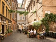 Via Di San Calisto in the Trastevere neighborhood of Rome Italy Travel Tips, Rome Travel, Travel Europe, Travel Guide, Travel Destinations, Beste Pizza In Rom, Best Places To Eat, The Places Youll Go, Best Restaurants In Rome