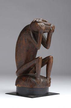 escultura zoomorfa de un mendigo ... Baule mono, arte africano en la sala de ventas Chinon | sala de subastas Chinon