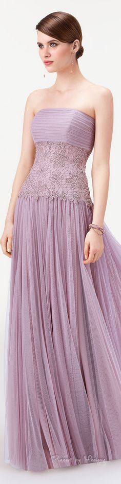 Light purple long dress by Aire Barcelona. Sexy Dresses, Nice Dresses, Fashion Dresses, Prom Dresses, Formal Dresses, Fashion Colours, Beautiful Gowns, Dream Dress, Special Occasion Dresses