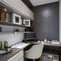 Browse pictures of home office design. Here are our favorite home office ideas that let you work from home. Mesa Home Office, Modern Home Office Desk, Cozy Home Office, Home Office Setup, Small Office, Office Ideas, Office Decor, Garage Office, Desk Office