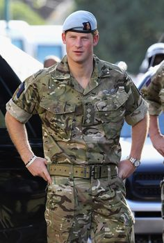 Prince William may be the heir to the throne, but we can't help but find ourselves more interested in his younger brother, Prince Harry. The royal is not only Prince Harry Et Meghan, Prince Harry Of Wales, Prince Harry Photos, Prince William And Harry, Harry And Meghan, William Kate, Lady Diana, Diana Spencer, Prince Charles