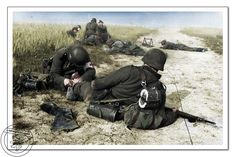Improvizované polní obvaziště, Francie, červen 1944. Improvised field dressing station, France, June 1944.