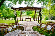 beautiful setting ....Real Texas Wedding - Adora & Nate - The Bride's Cafe