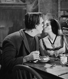 Herman & Lily Munster | The Munsters (1964 - 1966)    #fredgwynne #yvonnedecarlo #couples