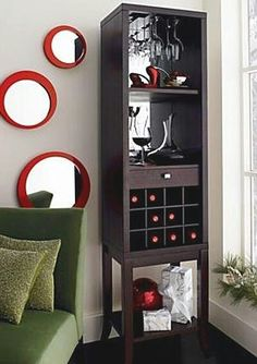 Inspiration for my mini bar . i seriously want a mini bar i just think they look so nice for entertaining Condo Living, Apartment Living, Living Room, Apartment Ideas, Apartment Therapy, Bar Sala, Mini Loft, Bar Cart Decor, Corner House