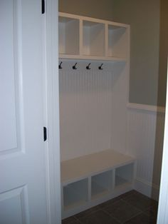 mud room storage...if my next house has nothing else, it will have a back entrance - not a back door that leads right into the family room - and that entrance will have this!!!!!!!!!!!!!!!