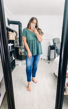 Summer Outfit Summer Outfit,ootd Summer to Fall outfit 2019 Related posts:Herrenpoloshirts & Herrenpolohemden - Midsize fashionFrau-Mandy-M Frau-Mandy-M - Make-up montags: Rot & Gold aus Make-up vergoldet . Outfit Jeans, Jeans Outfit Summer, Casual Summer Outfits, Spring Outfits, Summer Jeans, Cute Fall Outfits, Summer Dresses, Curvy Girl Outfits, Plus Size Outfits