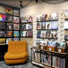 35 Ideas music studio basement vinyl records for 2019 Vinyl Record Display, Vinyl Record Shop, Vinyl Store, Vinyl Record Storage, Lp Storage, Vinyl Records, Record Decor, Cabinet Storage, Home Music Rooms