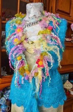 Vesta crosetata cu aplicatii Beautiful Spring(Rezervata)