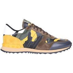 Valentino Garavani Rockrunner camouflage sneakers ($647) ❤ liked on Polyvore featuring men's fashion, men's shoes, men's sneakers, giallo, valentino mens sneakers, valentino mens shoes, mens camo sneakers, mens studded shoes and mens camo shoes