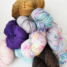 Dyed for #askewsmeshawl #westknitsssk #westknits #OsloMicroDyery #merinoDK #indiedyer #garnfarging #strikking #knitting #knitsagram #yarn #garn #håndfarget #sjal #shawl #wip