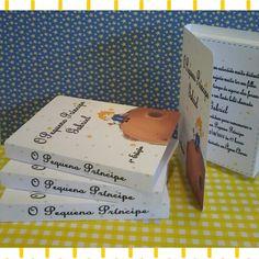 Lindo convite formato livro para Festa Pequeno Príncipe, Princesas, Harry Potter, Princesa Sofia, etc . Acompanha tag com nome do convidado e já entrego lacrado.