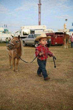 The cutest thing you'll see today! Western Baby Clothes, Western Babies, Cute Baby Clothes, Babies Clothes, Babies Stuff, Cute Baby Boy, Cute Baby Animals, Cute Kids, Cute Babies