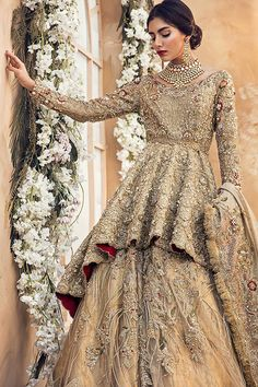 30 Stunning Pakistani Bridal Walima Dresses for Your Inspiration – Folder - Pakistani dresses Asian Bridal Dresses, Pakistani Wedding Outfits, Pakistani Bridal Dresses, Pakistani Wedding Dresses, Bridal Outfits, Indian Dresses, Pakistani Couture, Pakistani Fashion Party Wear, Indian Couture