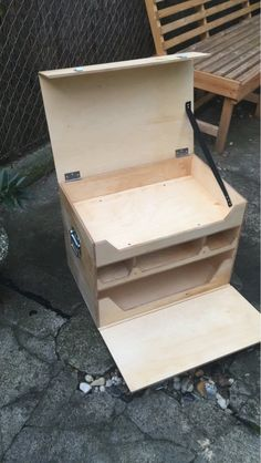 My Camp Kitchen Chuck Box - Click this image to show the full-size version. - My Camp Kitchen Chuck Box – Click this image to show the full-size version. Auto Camping, Diy Camping, Camping Hacks, Camping Style, Kayak Camping, Camping Survival, Outdoor Camping, Family Camping, Camping Checklist