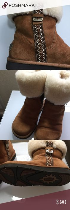 New Women's Ugg boots 6 Cute Rare Ugg boots size 6 excellent condition UGG Shoes Ankle Boots & Booties