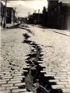 Folsom Street, San Francisco, CA after the Great Earthquake of April 18th, 1906.