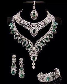Indian jewelry set, diamond and emerald jewelery Emerald Jewelry, Diamond Jewelry, Emerald Diamond, Gold Jewellery, Jewellery Photo, Silver Jewelry, Jewelry King, Silver Rings, Jewellery Sale