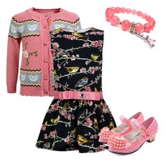 Романтический наряд для утонченных девушек. Розовый цвет кофточки отлично сочетается с отделкой платья. По желанию наряд может быть дополнен аксессуарами и украшениями.