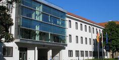 """Fachhochschule Erfurt """"FH Erfurt"""" von Michael Sander - Eigenes Werk. Lizenziert unter CC BY-SA 3.0 über Wikimedia Commons."""