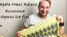Olá meus Amigos, nesta Vídeo Aula, você vai aprender a fazer este lindo Tapete Maxi Relevo em Crochê, feito com EuroRoma Espesso. Espero que gostem, curtam e... Crochet Carpet, Knitting Videos, Crochet Flowers, Arm Warmers, Crochet Top, Crochet Rugs, Blanket Crochet, Diy And Crafts, Projects To Try