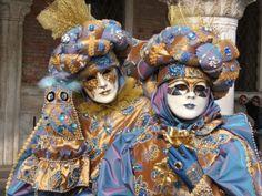 Figuras mascaradas do carnaval de Veneza