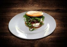 "Gesunde Paleo & Low-Carb Hamburger ""Deluxe"" - http://www.foodulution.com/rezeptearchiv/gesunde-paleo-low-carb-hamburger-deluxe/"