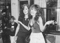 Stevie Nicks hangin' with Bonnie Raitt