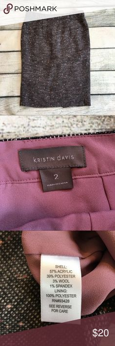 Kristin Davis tweed pencil skirt size 2 Preowned Woman's Kristin Davis gray skirt with dusty rose and pick specks in the skirt has a back slit back zipper and the lining is a dusty rose color. Size 2 Very cute perfect for winter! See measurements in pictures 😊 kristin davis Skirts Pencil