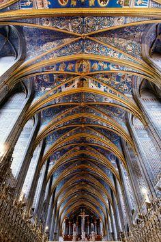 Si vous êtes de passage à Albi ne louper pas la Cathédrale Ste Cécile, un vrai bijoux d'esthétisme et d'architecture c'est un endroit incontournable lors d'un séjour à Albi. #albi #france