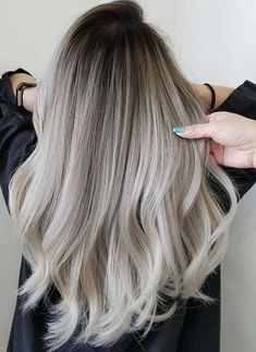 51 Unglaubliche Rooty Ash Blonde Frisuren Trends i . - - - 51 Incredible Rooty Ash Blonde Hairstyles Trends i. Ombre Hair Color, Hair Color Balayage, Cool Hair Color, Hair Color Ash Grey, Grey Hair Black Roots, Hair Colors, Ash Blue Hair, Ash Ombre Hair, Blonde Color