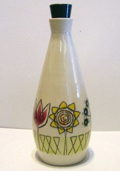 I have several pieces of this vintage TG Green pattern.very Mid Century! Oil Bottle, Green Pattern, Vintage Pottery, Vinegar, Ebay, Mid Century, Range, Flowers, Vintage Ceramic